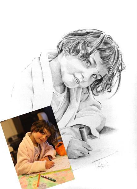 enfant-fillette au crayon