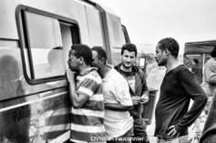 04 – Calais. Cette camionnette de bénévoles anglais était présente tous les après-midis. Ils faisaient du thé et du café et proposaient aux réfugiés de jouer à des jeux de société.